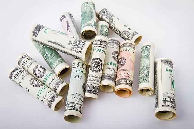 ruličky z dolarů