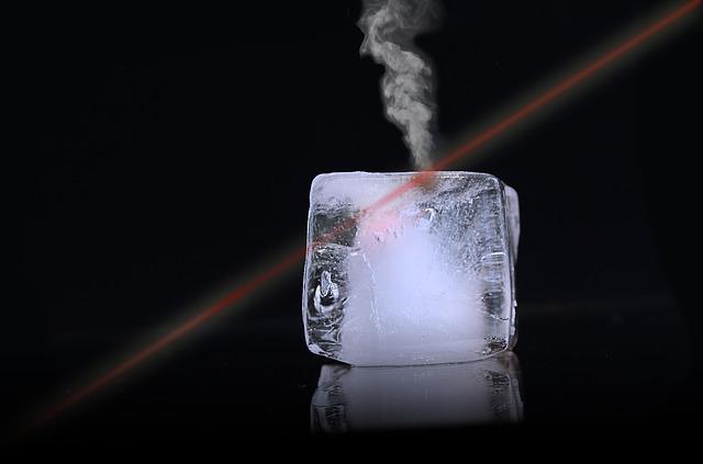 laserový paprsek a led