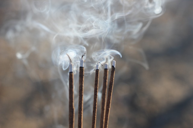 kouř z tyčinek